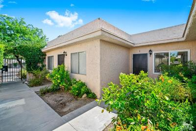 Palm Springs Condo/Townhouse For Sale: 760 E E Cottonwood Road #2
