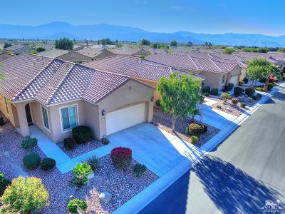 Sun City Shadow Hills Single Family Home Contingent: 81641 Avenida De Baile