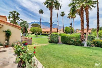 Palm Springs Condo/Townhouse For Sale: 2685 N Whitewater Club Drive