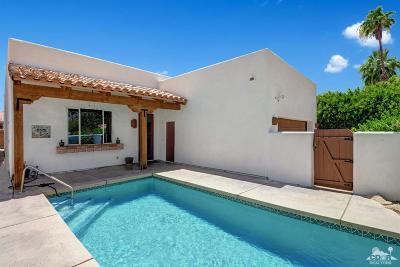 La Quinta Single Family Home Contingent: 51560 Avenida Obregon