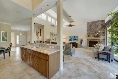 La Quinta Condo/Townhouse For Sale: 54963 Southern Hills