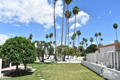 Palm Desert Condo/Townhouse For Sale: 46051 Portola Avenue