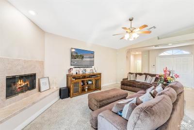 La Quinta Single Family Home For Sale: 79633 Dandelion Dr.