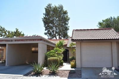 Indio Condo/Townhouse For Sale: 49380 Eisenhower Drive