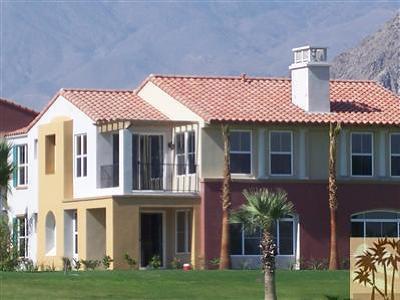La Quinta Condo/Townhouse For Sale: 80 Via Tesoro