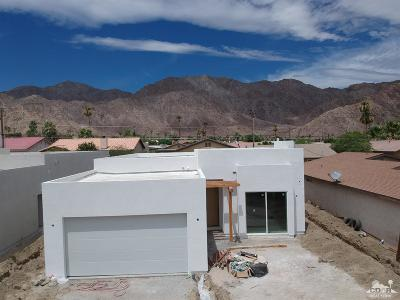 La Quinta Single Family Home Contingent: 53125 Avenida Ramirez