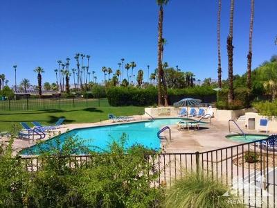 Palm Springs Condo/Townhouse Contingent: 5300 E Waverly Drive #5205