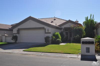 Indio Condo/Townhouse Contingent: 43740 Royal Saint George Drive