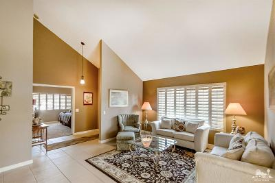 Palm Desert Condo/Townhouse Contingent: 43855 San Ysidro Circle