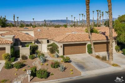 Palm Desert Condo/Townhouse For Sale: 38681 Palm Valley Drive