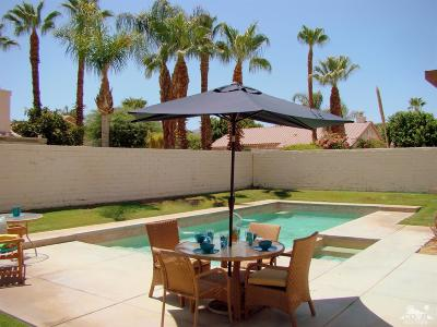La Quinta CA Single Family Home For Sale: $440,000