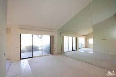 Palm Valley CC Condo/Townhouse For Sale: 38933 Wisteria Drive