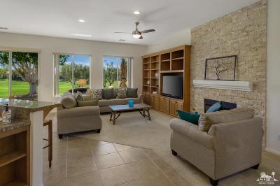 La Quinta Condo/Townhouse For Sale: 55030 Tanglewood