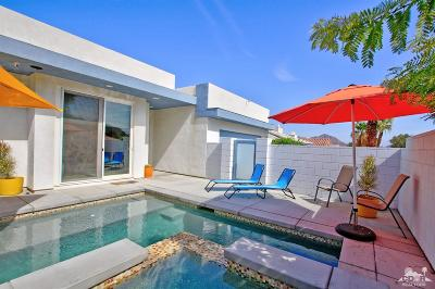 La Quinta Single Family Home For Sale: 53445 Avenida Villa