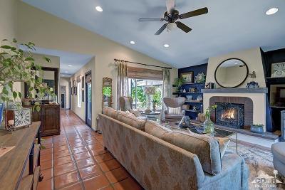 La Quinta Single Family Home Contingent: 52625 Avenida Obregon