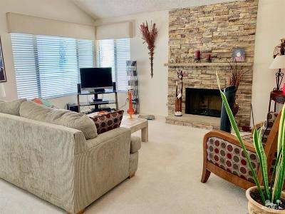 Palm Desert Condo/Townhouse For Sale: 73820 Calle Bisque