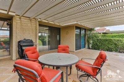 Rancho Mirage Condo/Townhouse Contingent: 39810 Bedford Drive