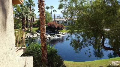 La Quinta Condo/Townhouse For Sale: 54523 Tanglewood