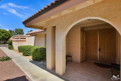 Indio Condo/Townhouse For Sale: 49054 Eisenhower Drive