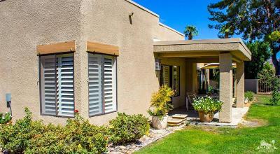 Palm Desert Condo/Townhouse For Sale: 72515 Desert Flower Drive