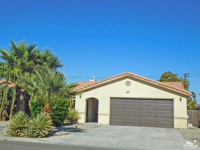 La Quinta Single Family Home For Sale: 51640 Avenida Vallejo