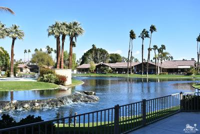 Palm Desert Condo/Townhouse For Sale: 250 Wild Horse Drive