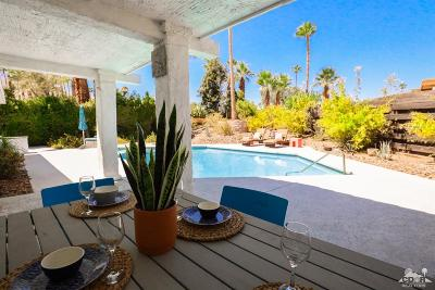 Palm Springs Single Family Home For Sale: 585 N Chiquita Cir