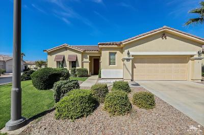 Indio Single Family Home Contingent: 40121 Corte Los Olivos
