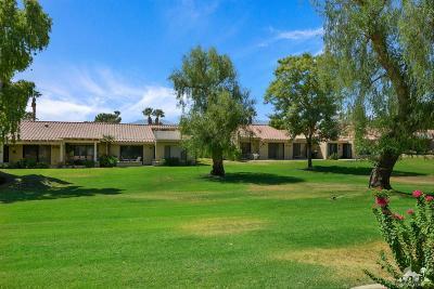 Palm Desert Condo/Townhouse For Sale: 40251 Baltusrol Circle