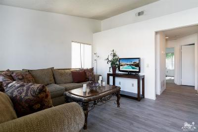 Palm Desert Condo/Townhouse For Sale: 40900 Breezy Pass Road #A