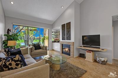 La Quinta Condo/Townhouse For Sale: 54444 Shoal Creek
