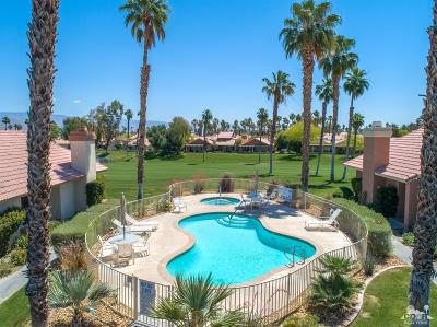 Palm Desert Condo/Townhouse For Sale: 42304 Sand Dune Drive