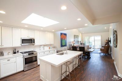 Palm Desert Condo/Townhouse For Sale: 76473 Violet Circle Circle