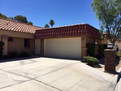 Palm Desert Condo/Townhouse For Sale: 41860 Jupiter Hills Court