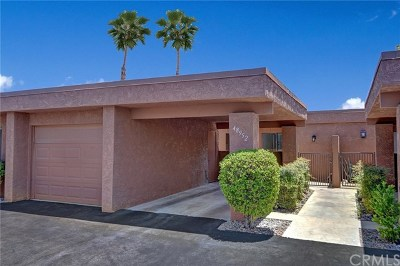 Palm Desert Condo/Townhouse For Sale: 48952 Canyon Crest Lane