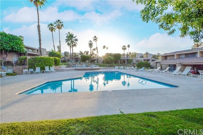 Palm Desert Condo/Townhouse For Sale: 48865 Mariposa Drive