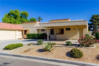 Palm Desert Condo/Townhouse For Sale: 40165 Baltusrol Circle #24-6