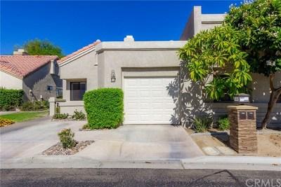 Palm Desert Condo/Townhouse For Sale: 41691 Kansas Street