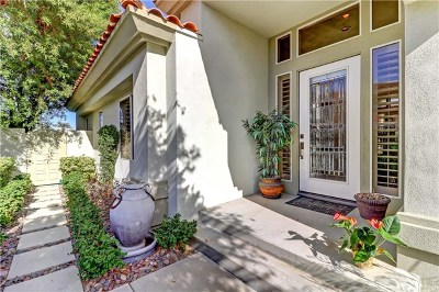 Palm Desert Condo/Townhouse For Sale: 852 Red Arrow