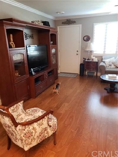 Sun City Condo/Townhouse For Sale: 26217 Birkdale Road