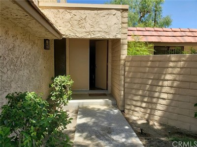 Cathedral City Condo/Townhouse For Sale: 68722 Calle Denia