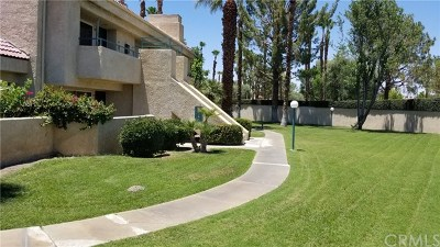 Cathedral City Condo/Townhouse For Sale: 32505 Candlewood Drive #59