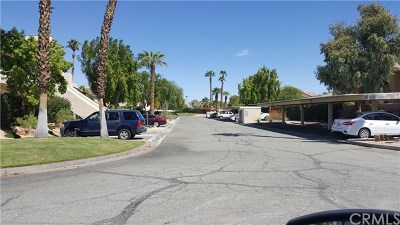 Cathedral City Condo/Townhouse For Sale: 32505 Candlewood Drive #46