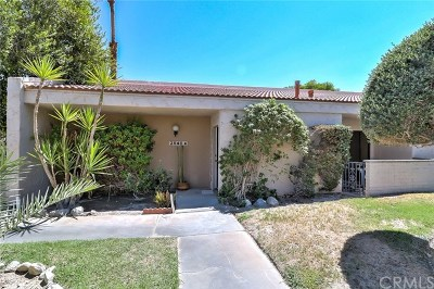 Palm Springs Condo/Townhouse For Sale: 2540 North Whitewater Club Drive #A