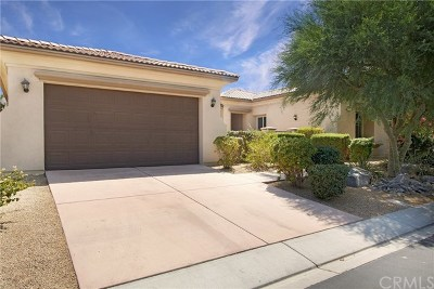 Palm Desert Single Family Home For Sale: 113 Azzuro Drive