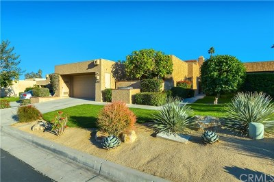 Ironwood Country Clu Condo/Townhouse For Sale: 73155 Ajo Ln Lane