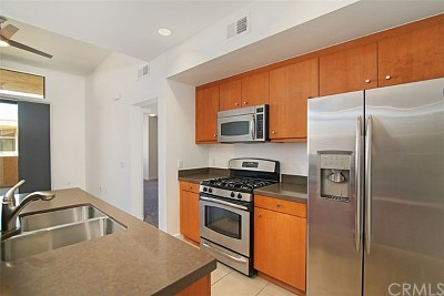 Palm Springs Condo/Townhouse For Sale: 970 E Palm Canyon Drive #202