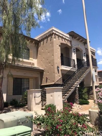 La Quinta Condo/Townhouse Contingent: 50650 Santa Rosa Plaza #5