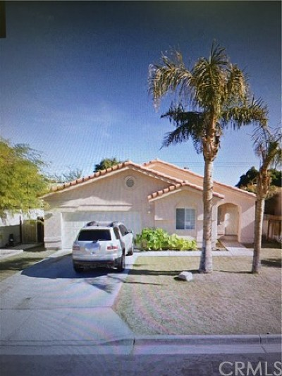 La Quinta CA Single Family Home For Sale: $325,000