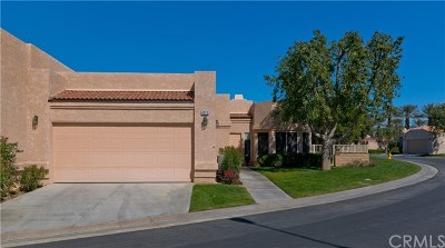 La Quinta Condo/Townhouse For Sale: 48210 Vista De Nopal